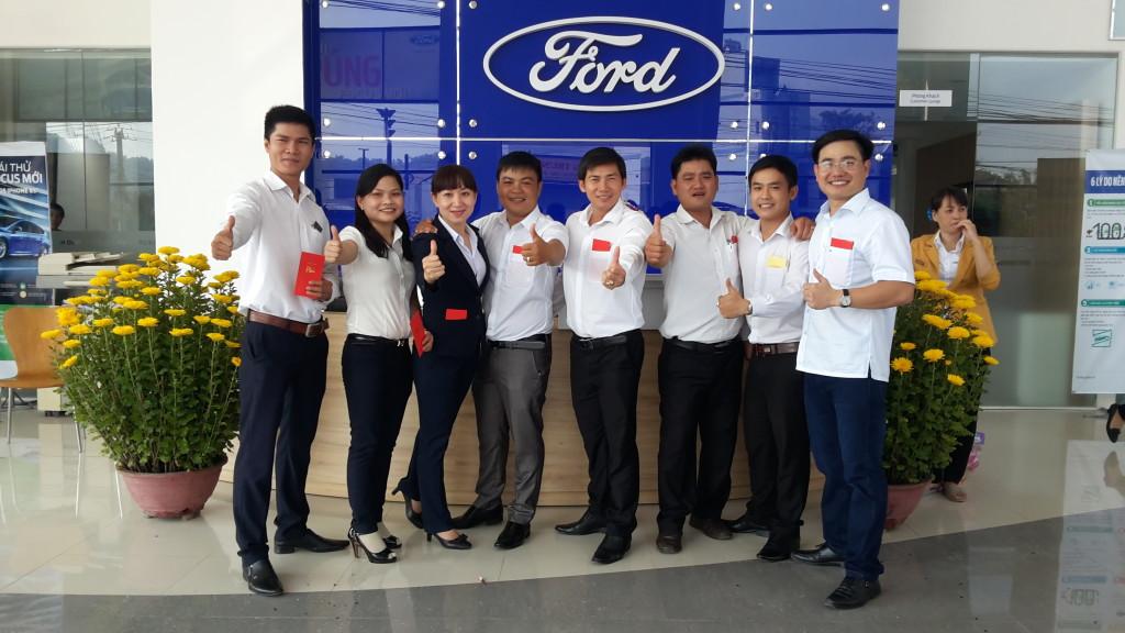 Đội ngũ nhân viên Ford Bình Định