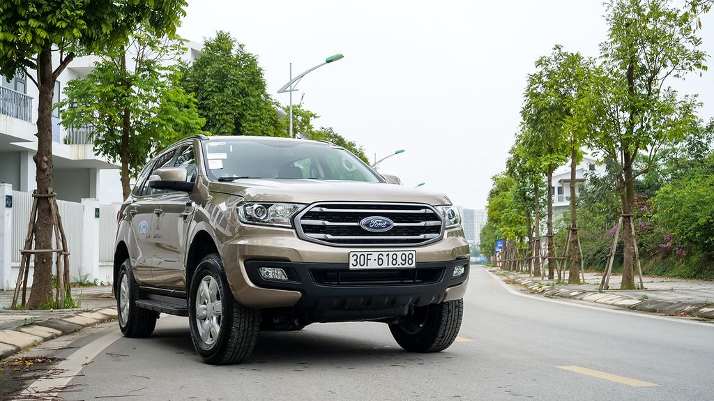 fordbinhdinh-Ford Everest Ambiente-2