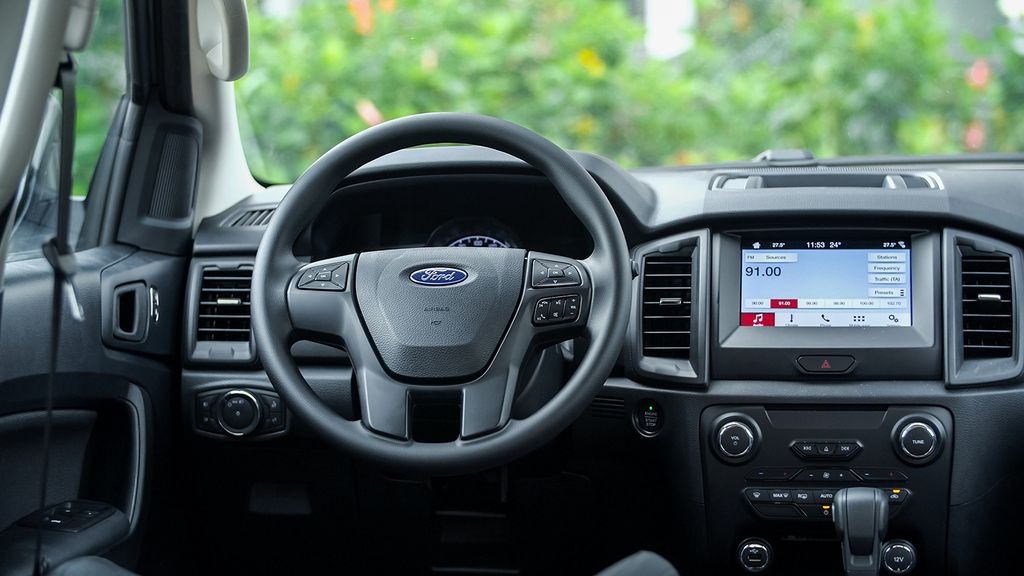 fordbinhdinh-Ford Everest Ambiente-4